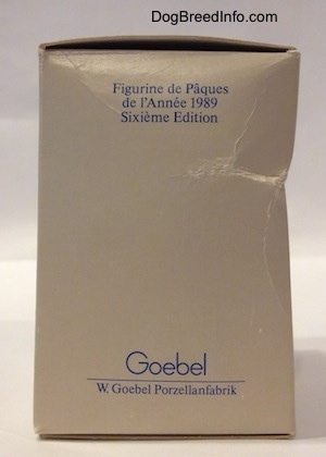 The back of a box that has the words - Goebel W.Goebel Porzellanfabrik - on the bottom and at the top the words - Figurine de Paques de l'Annee 1989 Sixieme Edition.